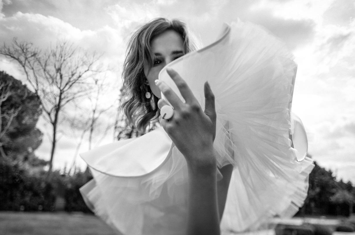 wedding-jewelry-white-marble